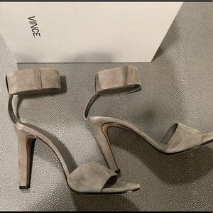 Vince Nava heels